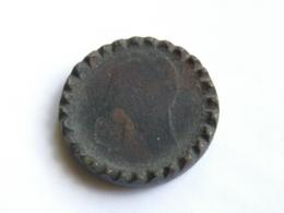 Monnaie De Bagnard - Un Décime Dupré A - Transformé En Palet De Jeu - Tranche Martelée Puis Dentelée - France