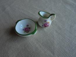 Set De Toilette- Cruche Et Bassine Miniature En Porcelaine Pour Maison De Poupée - Other Collections