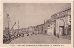 16. COGNAC. Chargement Des Gabares Devant Les Etablissements JA HENNESSY & Co - Cognac