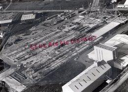 24- PERIGUEUX- CONSTRUCTION IMPRIMERIE DU TIMBRE SUR LA ZONE INDUSTRIELLE- RARE PHOTO AERIENNE -DORDOGNE - Profesiones