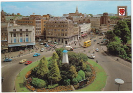 Bournemouth: LEYLAND SHERPA PICK-UP, AUSTIN MAXI 1750, RENAULT 5, FORD FIËSTA, TRUCK, DOUBLE DECK BUS - The Square - Toerisme