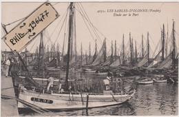 85 Les Sables D'Olonne - Cpa / Etude Sur Le Port. - Sables D'Olonne