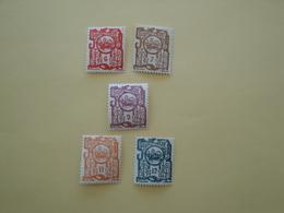 1927 Indochine Yv  132/3 + 135 + 137/8 **  MNH    Cote 13.85 € - Indochine (1889-1945)