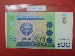 UZBEKISTAN 200 SUM 1997 PEU CIRCULER/NEUF - Ouzbékistan