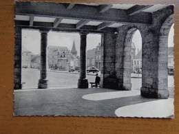 Philippeville, La Grand Place Vue Des Arcades De L'hotel De Ville --> Onbeschreven - Philippeville
