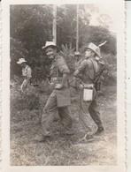 Photo Militaire : Vietnam : Tra Vinh : Lt. Fuseret Et Cdt. Bermont  : Opération En Cours : 1948 : ( 6cm X 9cm ) - War, Military