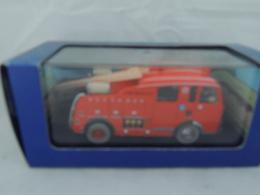 TINTIN HERGE DENNIS F101 L'ILE NOIR ATLAS 42 NEW IN BOX CERTIFICATO - Automobili
