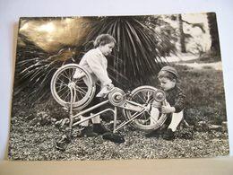 1955 - Coppia Bambini - Maccanico Di Biciclette - Meccanico - Bicicletta Bici - Sport - Vera Fotografia - Enfants