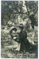 Ref 1280 - Early Real Photo Ethnic Postcard - Mother & Child - Lappland Sweden - Europe