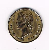 -&  FRENCH WEST AFRICA  5 FRANCS  1956 - Centrafricaine (République)