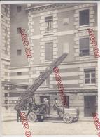 Pompier Sapeur Pompier Ville De Paris Grande échelle Magirus Voiture Ancienne Camion Ancien Beau Format - Guerra, Militari