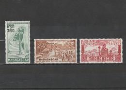 Madagascar Neuf *  1942 Poste Aérienne N° 41/43  Protection De L'enfance Indigène - Madagascar (1889-1960)