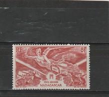 Madagascar Neuf *  1946 Poste Aérienne N° 65  Anniversaire De La Victoire - Ongebruikt