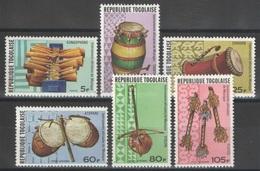 Togo - YT 886-888 + PA 302-304 ** - 1977 - Instruments Africains De Musique - Togo (1960-...)