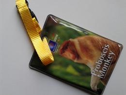 Alt1016 Portadocumenti Badge Turismo Tourism Proboscis Monkey Scimmia Malaysia Asia Mascotte Mascot - Pubblicitari