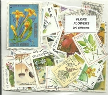 """Lot 200 Timbres Thematique """" Fleurs """" - Végétaux"""