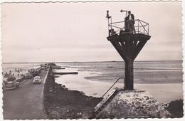 85 - NOIRMOUTIER (Vendée) - Le Passage Du Gois Et Une Balise Refuge - 1954 / Voitures, Autocar - Noirmoutier