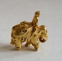 FEVE METAL DORE - LES ELEPHANT DORES - Anciennes