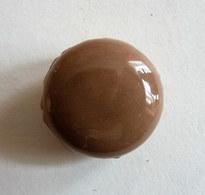 FEVE MACARON CHOCOLAT MARRON - Frühe Figuren