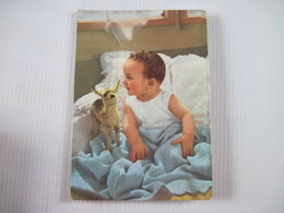 CPM Enfant Dans Son Lit A Systeme Pouet Pouet 1963 - Enfants