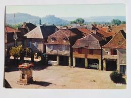 Carte Postale : 46 BRETENOUX EN QUERCY : Place Des Couverts - Bretenoux