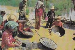 Indonesia Traditional Diamond Digging Postcard 1988 Postmark Used Good Condition - Indonésie