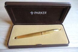 Stylo Plume De Marque Parker-plume En Or Dans Sa Boite D'origine - - Pens