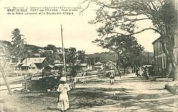 CPA    Martinique  Fort De France  Riviere Levassor Boulevard Allegre  (animée)    P 857 - Fort De France