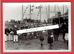 SAINT MALO FEVR. 1936 BATEAU DES MARINS ESPLANADE SAINT VINCENT POUR LA BENEDICTION DES BATEAUX PARTANT POUR TERRE NEUVE - Plaatsen