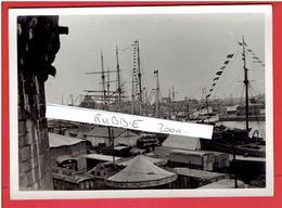 SAINT MALO 9.02.1936 LE PORT GOELETTES PAVOISEES ET KERMESSE LE JOUR DU GRAND PARDON AVANT LE DEPART POUR TERRE NEUVE - Lieux