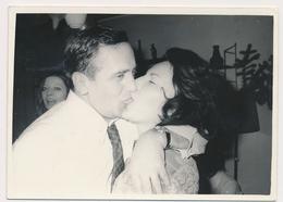 REAL PHOTO - KISS Couple, Man Woman, Baiser, Old Photo - Photographs