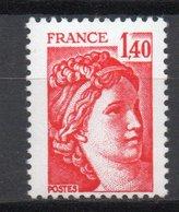 - FRANCE Variété 2102a ** - 1 F. 40 Rouge Type Sabine 1980 - SANS PHOSPHORE - Cote 25 EUR - - Variétés Et Curiosités