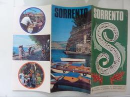 """Pieghevole Illustrato """"SORRENTO Azienda Autonoma Di Soggiorno E Turismo Di Sorrento"""" Anni '70 - Dépliants Turistici"""