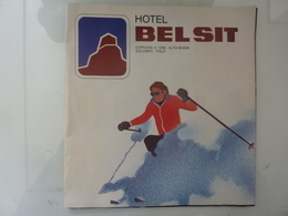 "Pieghevole Illustrato ""HOTEL BELSIT CORVARA - ALTA BADIA"" - Dépliants Turistici"