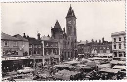 Newbury: FORD ZEPHYR MK2, AUSTIN A40 MK2 - 'Daniel For Prams' Shop - Market Place - (England) - PKW