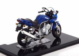 MOTO BIKE YAMAHA FAZER 1000 BLUE METAL IXO EDITIONS ATLAS 4110122 1/24 - Motorcycles