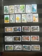 2 Séries Timbres Adhésifs De 2018 - Stamps
