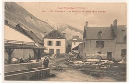 Fos - La Place Et Le Lavoir -  CPA° - Autres Communes