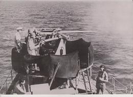 CROISEUR DANS LA MER EGEE DCA KRIEGSMARINE FOTO DE PRESSE WW2 WWII WORLD WAR 2 WELTKRIEG Aleman Deutchland - Boats