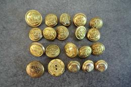 Lot De Boutons Militaire 15 Anciens Et 5 Autres -. - Boutons