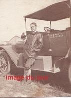 Photo Ancienne  MILITAIRE DEVANT SON AUTOMOBILE A SALONIQUE EN 1917  NOM AU VERSO - Guerre, Militaire