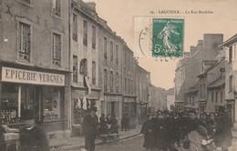 12/ Laguiole - La Rue Bardiére - Epicerie Vergnes - Belle Animation Beau Plan - Laguiole