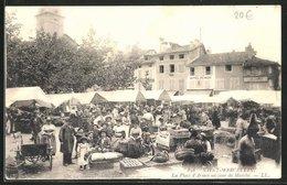 CPA Saint-Marcellin, La Place D`Armes Un Jour De Marche - Saint-Marcellin