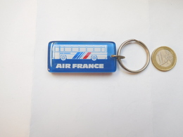 Beau Porte Clés , Aviation , Compagnie Air France , Car Bus , Navette Aéroports Orly , Roissy - Porte-clefs
