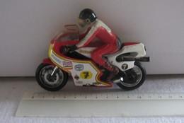 Matchbox K81-1 Suzuki 1980 - Motos