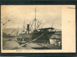 """CPA - REUNION - Le Port - Paquebot """"La Ville De Majunga"""" - Steamers"""