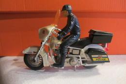 Matchbox K83-1200cc  12cm Police Harley Jaar ? - Motorräder