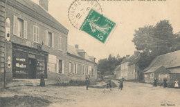 AM 738  / C P A   - SAUSSAY LA VACHE     (27)  RUE DE LA GARE - Autres Communes