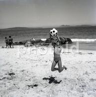 60s BEACH BOY PLAGE PRAIA PORTUGAL 60/60mm AMATEUR NEGATIVE NOT PHOTO NEGATIVO NO FOTO - Photographica
