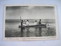 CPA  OCEANIE (Iles Du Pacifique ) Un Père Des Sacrés Coeurs De Picpus Va Porter Le Saint Viatique à Un Malade  BE - Postcards